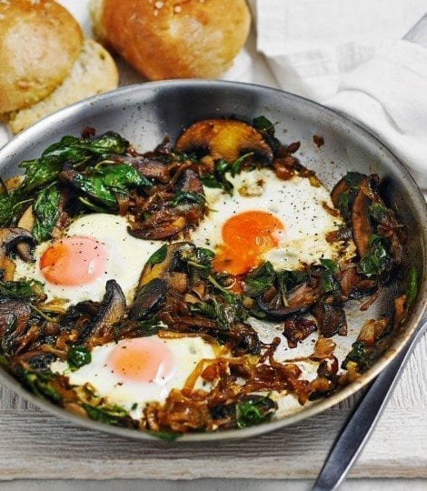 Spicy Spinach with Eggs