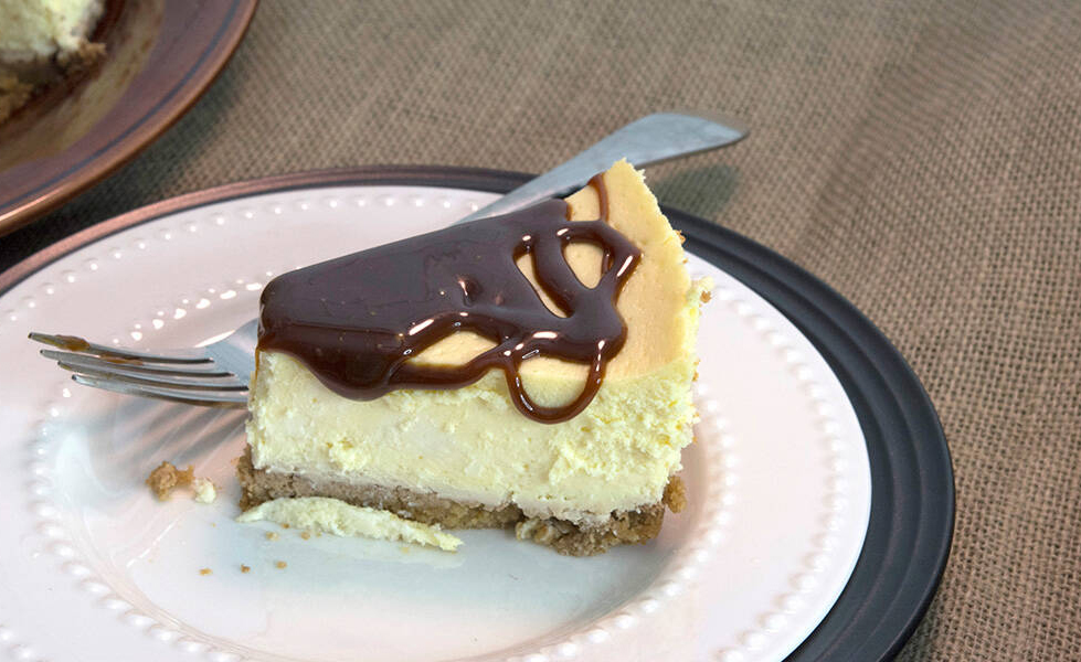 Cheesecake with Warm Chocolate Sauce
