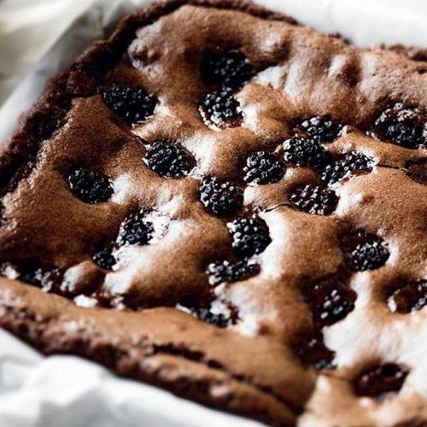 Quick Blackberry Brownies
