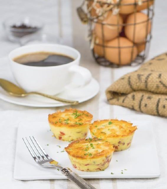 BACON, GRUYÈRE & RED PEPPER EGG MUFFINS