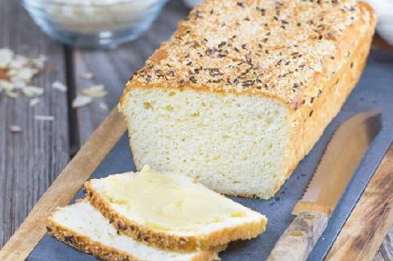 LOW-CARB ALMOND BREAD