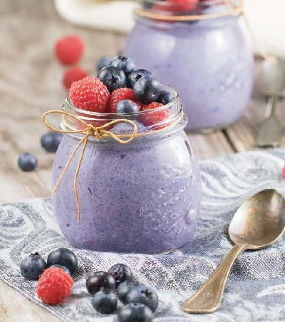 OVERNIGHT BLUEBERRY & CHIA BREAKFAST PUDDING