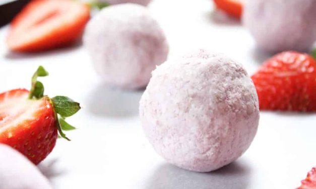 Strawbwrries & Cream Fat Bombs
