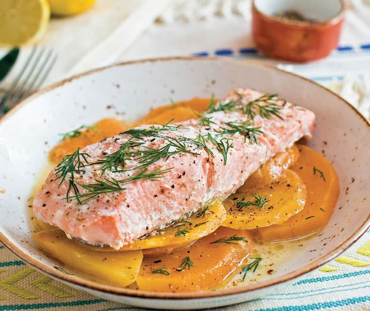 Poached Salmon With Lemon & Dill