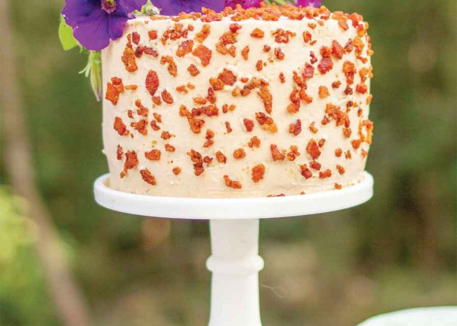 MAPLE BACON APPLE CAKE