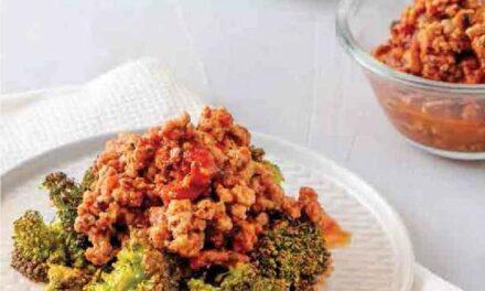 ROASTED BROCCOLI & MEAT SAUCE